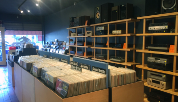 wolfies_records_inside3
